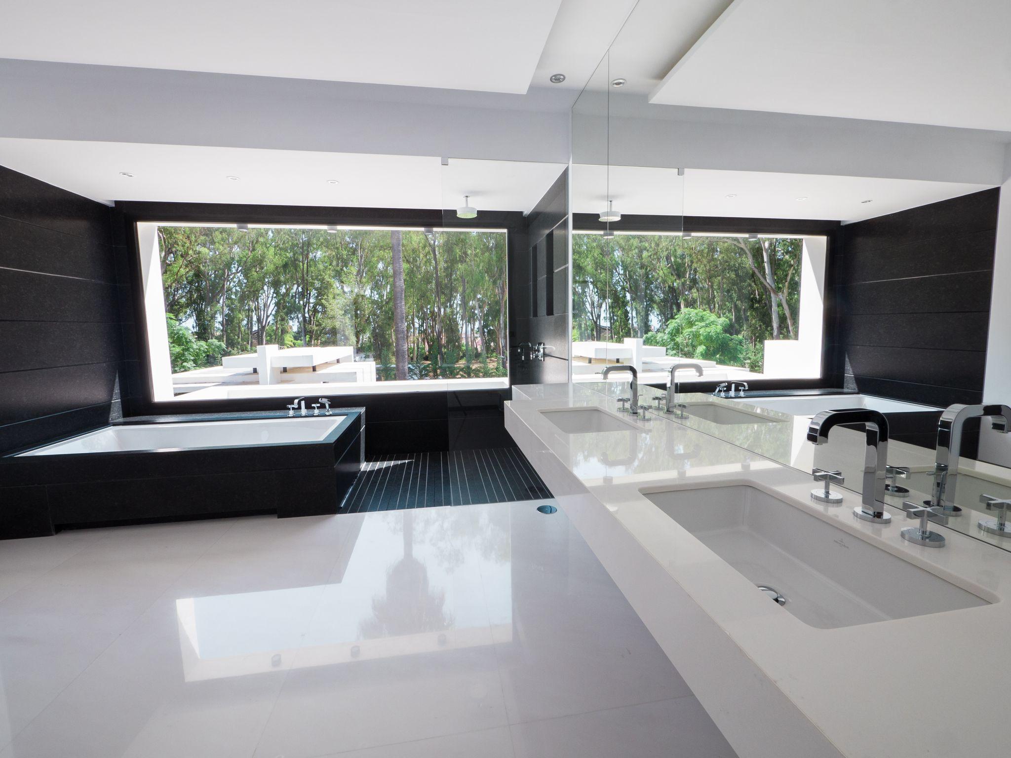 Новая вилла класса люкс на продажу в Guadalmina Baja, Марбелья, Малага