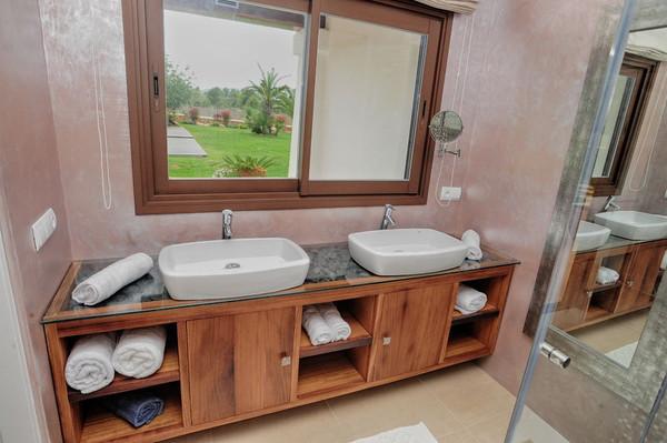 Ванная комната виллы в аренду в Санта Жертрудис