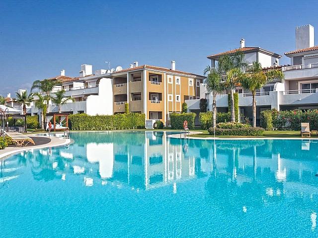 Apartamento en Venta en El Paraiso, Estepona,