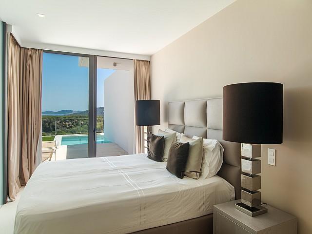 Потрясающая спальня виллы в аренду в Эс Кубельс