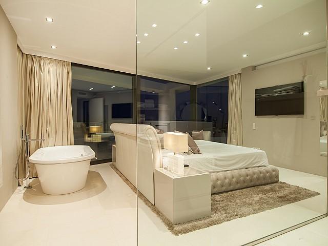 Ванная комната виллы в аренду в Эс Кубельс