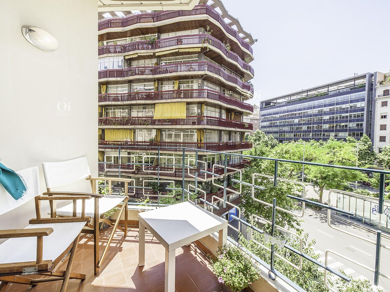 Красивая квартира на продажу, чтобы переехать в Les Corts, Барселона.