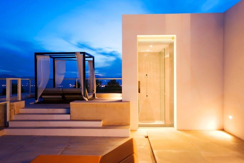 Шикарная терраса виллы в аренду в Сан Агнес