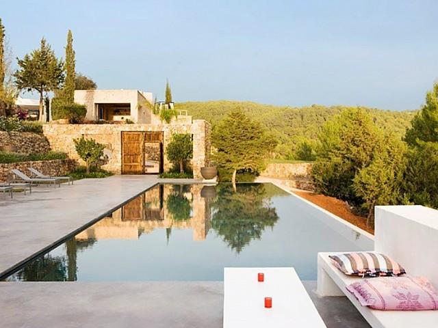 Espectacular vila moderna d'estil eivissenc a Santa Agnès, Eivissa
