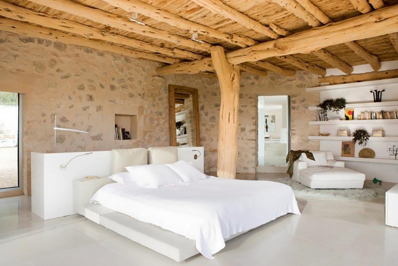 Dormitori ampli amb bany en suite
