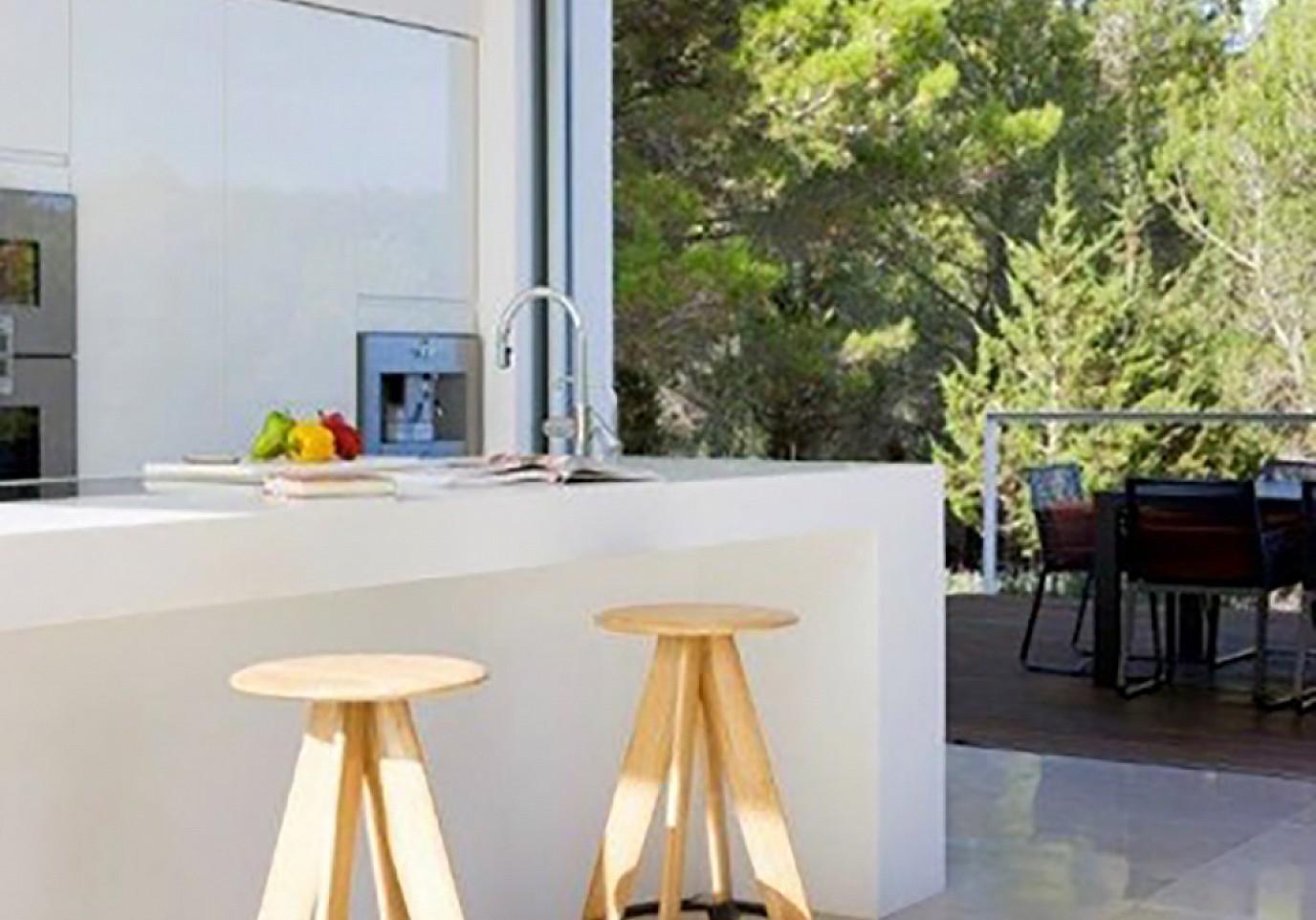 Современнная кухня виллы в аренду в Сан Агнес