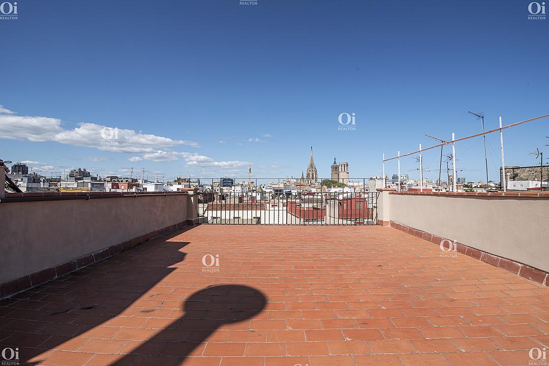 Совершенно новый пентхаус на продажу в самом центре Барселоны.