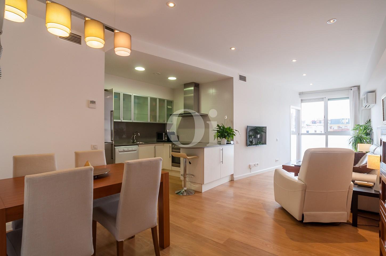 C lido y soleado piso reformado en venta en eixample for Pisos de lloguer a barcelona