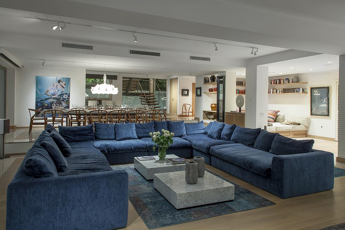 Роскошная гостиная виллы в аренду в Эс Ведра