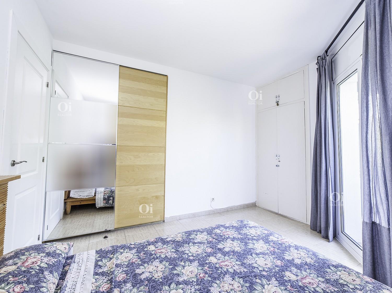 Красивая квартира на продажу с туристической лицензией в Ситжесе.
