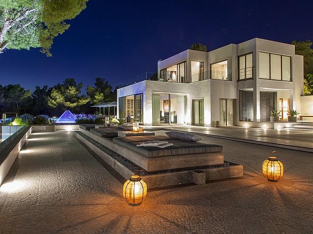 Sensationelle Ferienvilla mit herrlicher Aussicht in Es Vedrà en San José, Ibiza zu vermieten