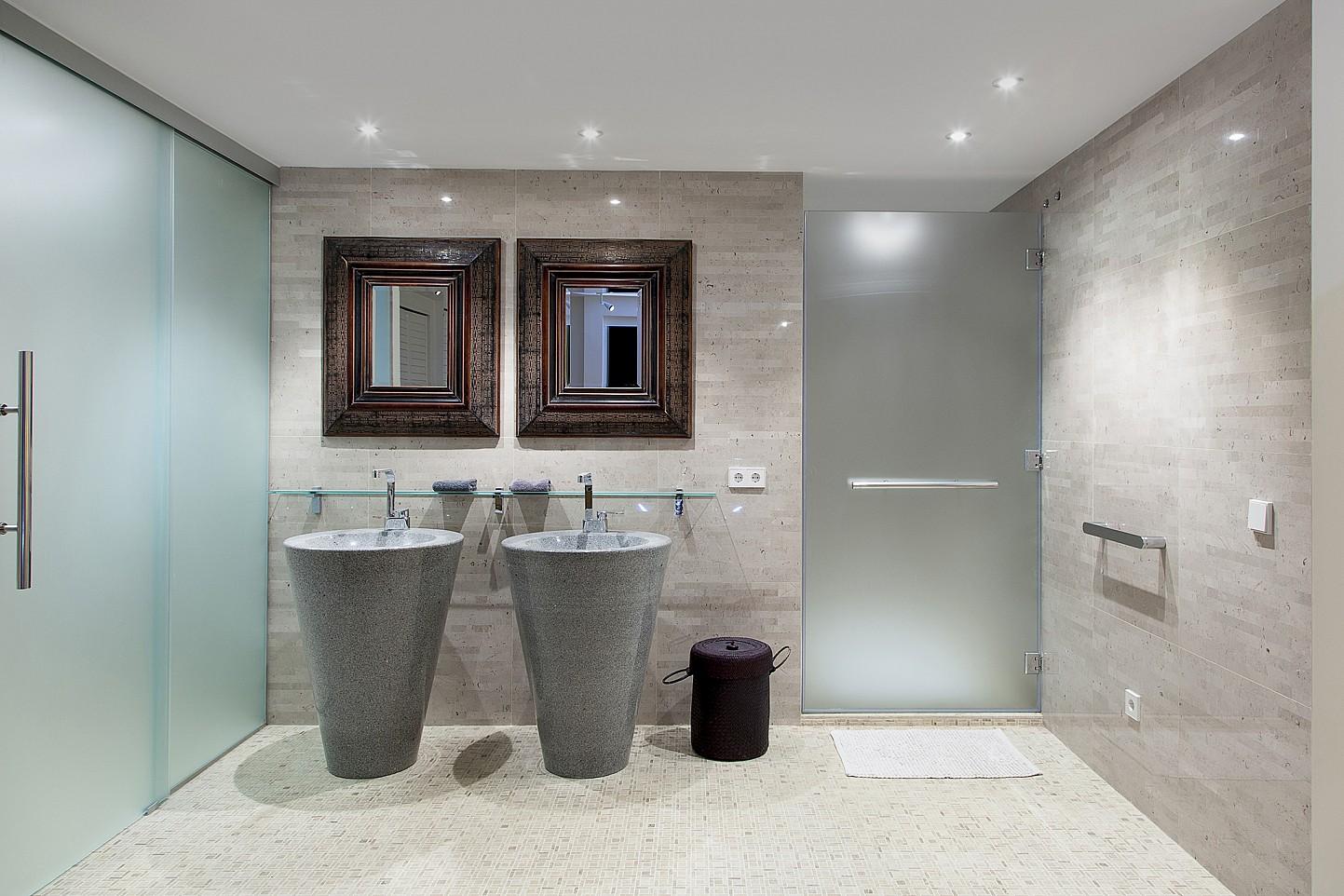 Ванная комната виллы в аренду в Эс Ведра