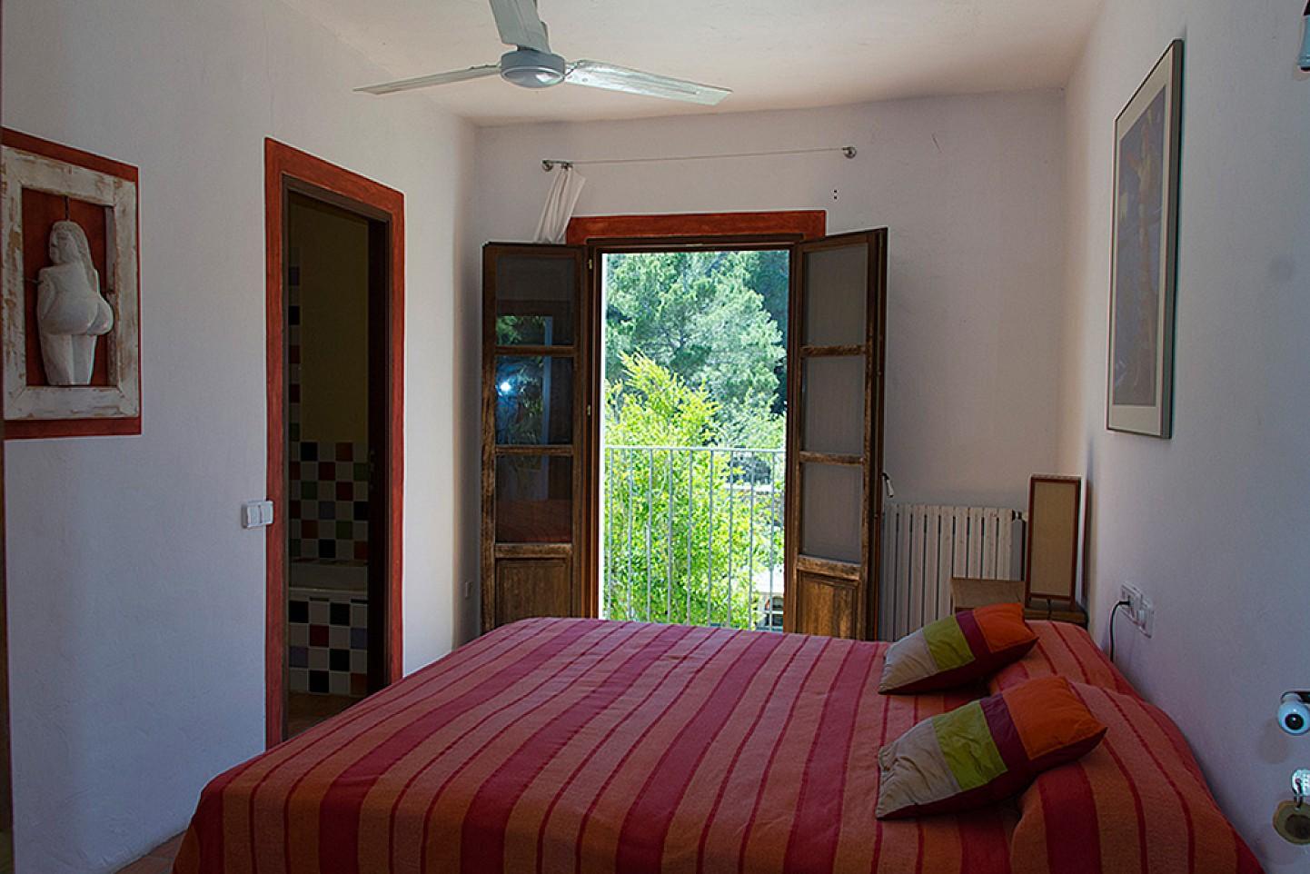 Dormitori 2 ampli amb accés a l'exterior