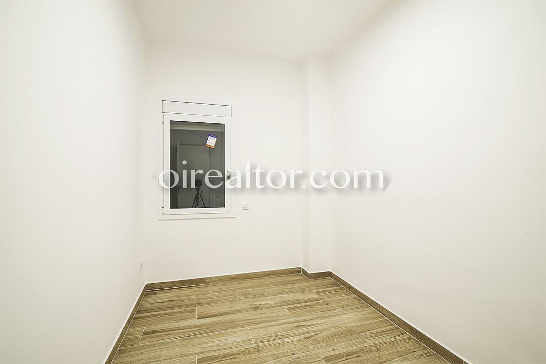 Квартира на продажу в районе Побленоу, Барселона