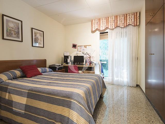 Dormitorio 2 amplio con acceso al exterior