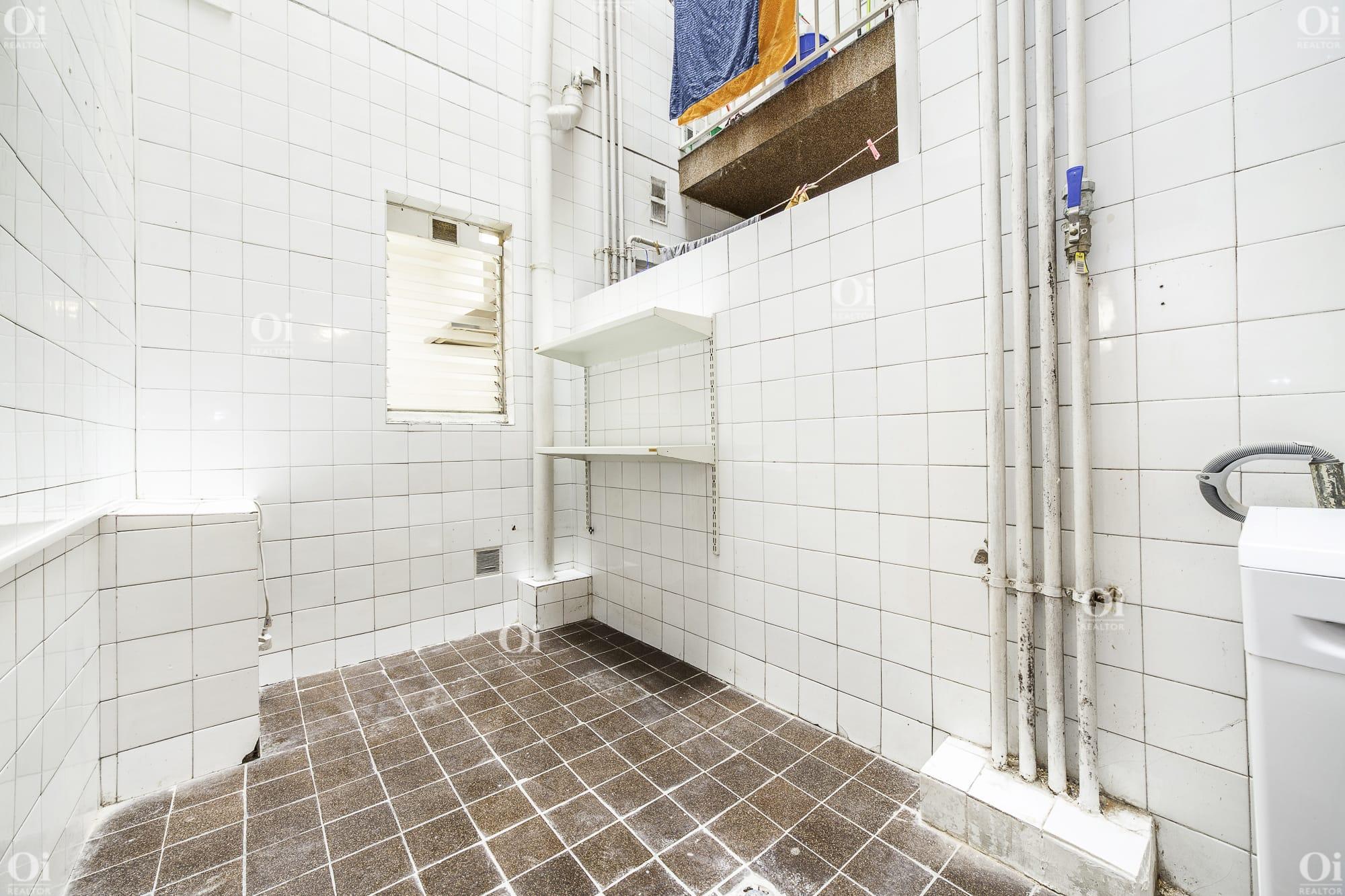 Красивая отремонтированная квартира на продажу в лучшем районе Грасиа.