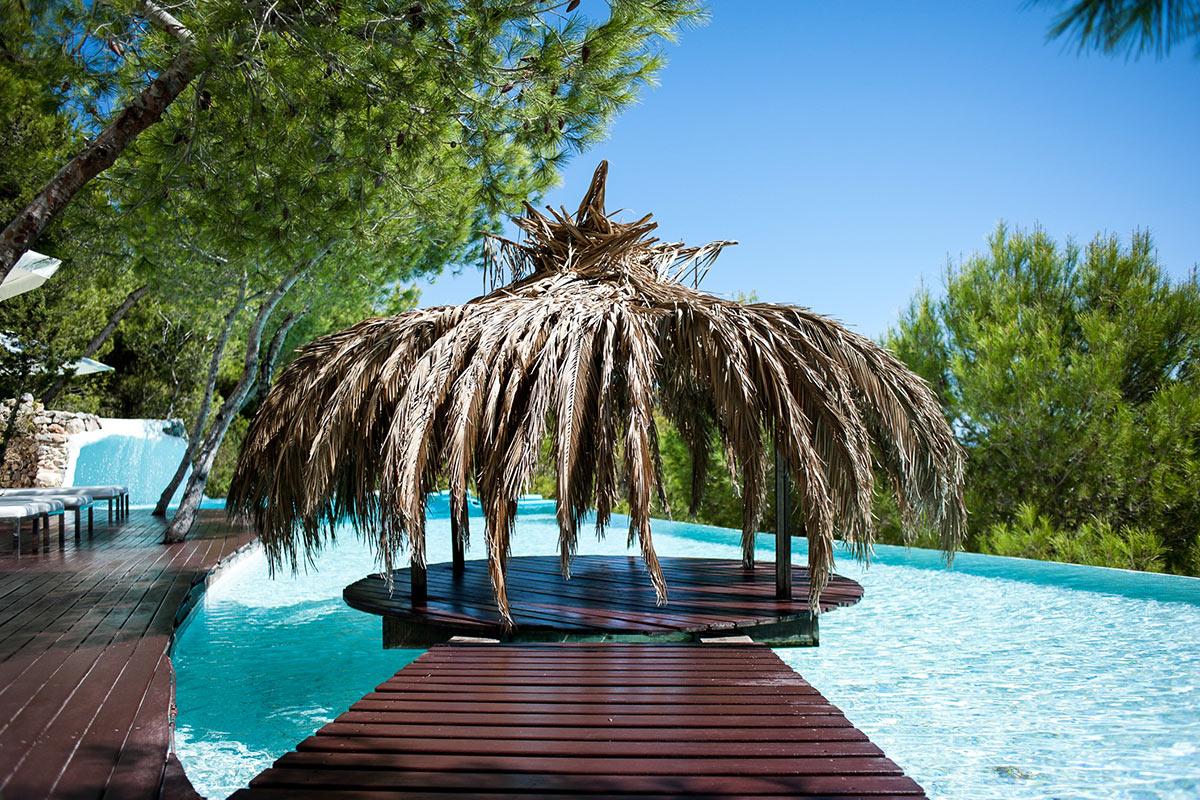 Espléndida cabaña en la piscina