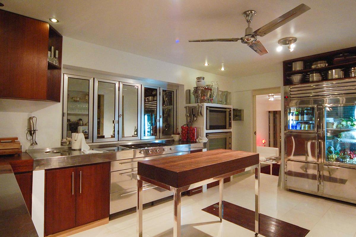 Огромная кухня виллы в аренду в Эс Салинас