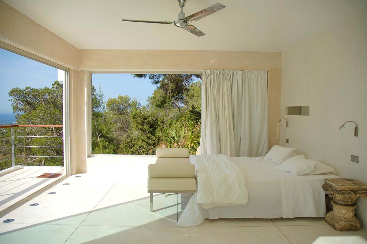 Шикарная спальня виллы в аренду в Эс Салинас