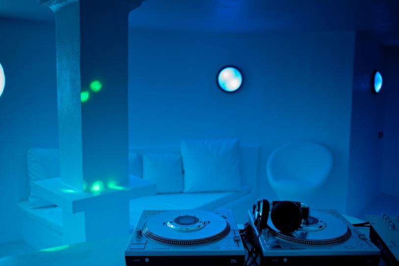 Magnífica il.luminació de la zona de discoteca
