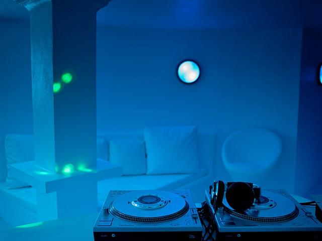Magnífica iluminación de la zona de discoteca