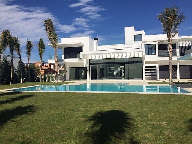 Villa en Venta en Guadalmina Baja, Marbella, Málaga