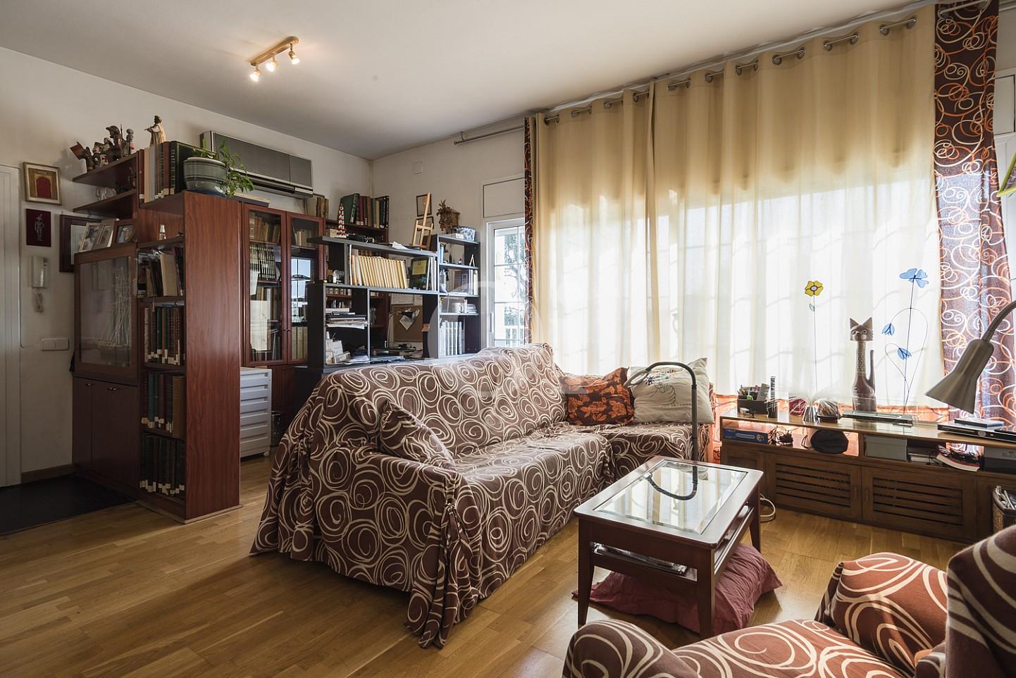 Просторная гостиная дома на продажу в Тейя, Маресме