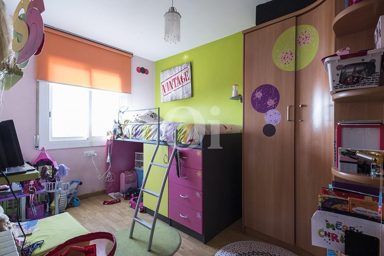 Роскошная спальня дома на продажу в Тейя, Маресме