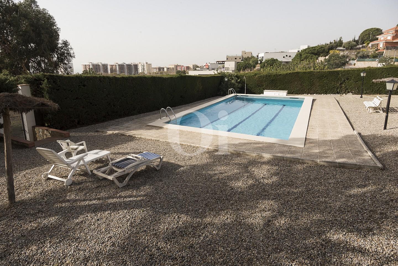 Vistas de la magnífica piscina comunitaria