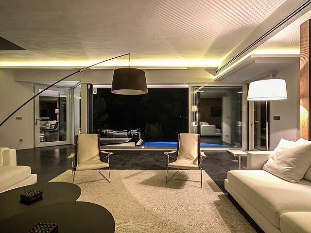 Роскошная гостиная виллы в аренду в Виста Алегре