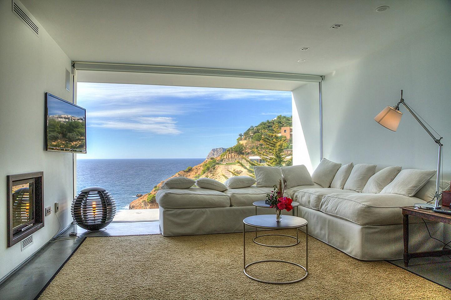 Sala de estar con estupendas vistas al mar