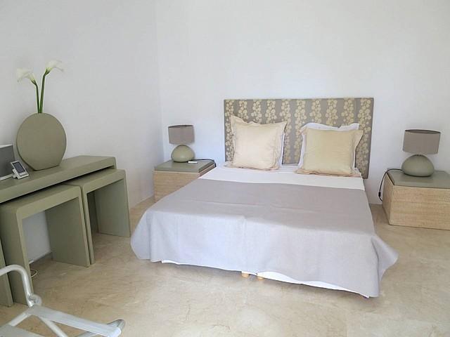 Dormitorio 2 con cama de matrimonio