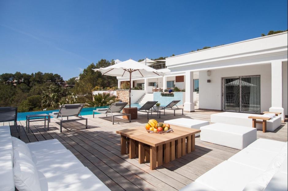 Fantàstica zona de relaxament al costat de la piscina
