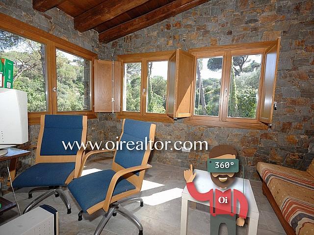 House for sale in Argentona