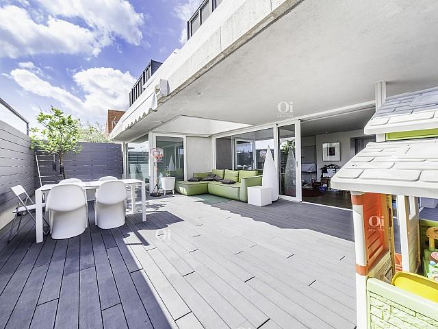 Prächtiges Penthouse zum Verkauf in Dr. Carulla mit der Calle Ganduxer im oberen Bereich von Barcelona.
