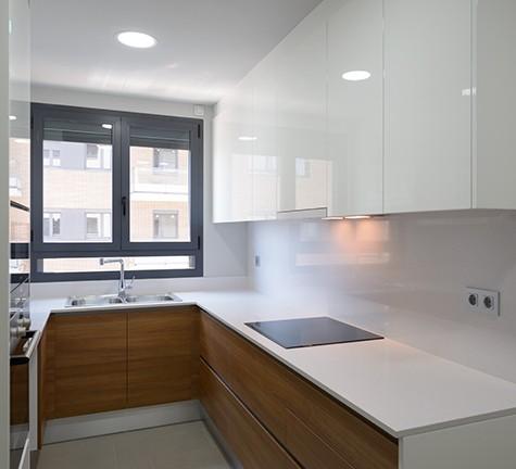 Cocina espaciosa y moderna
