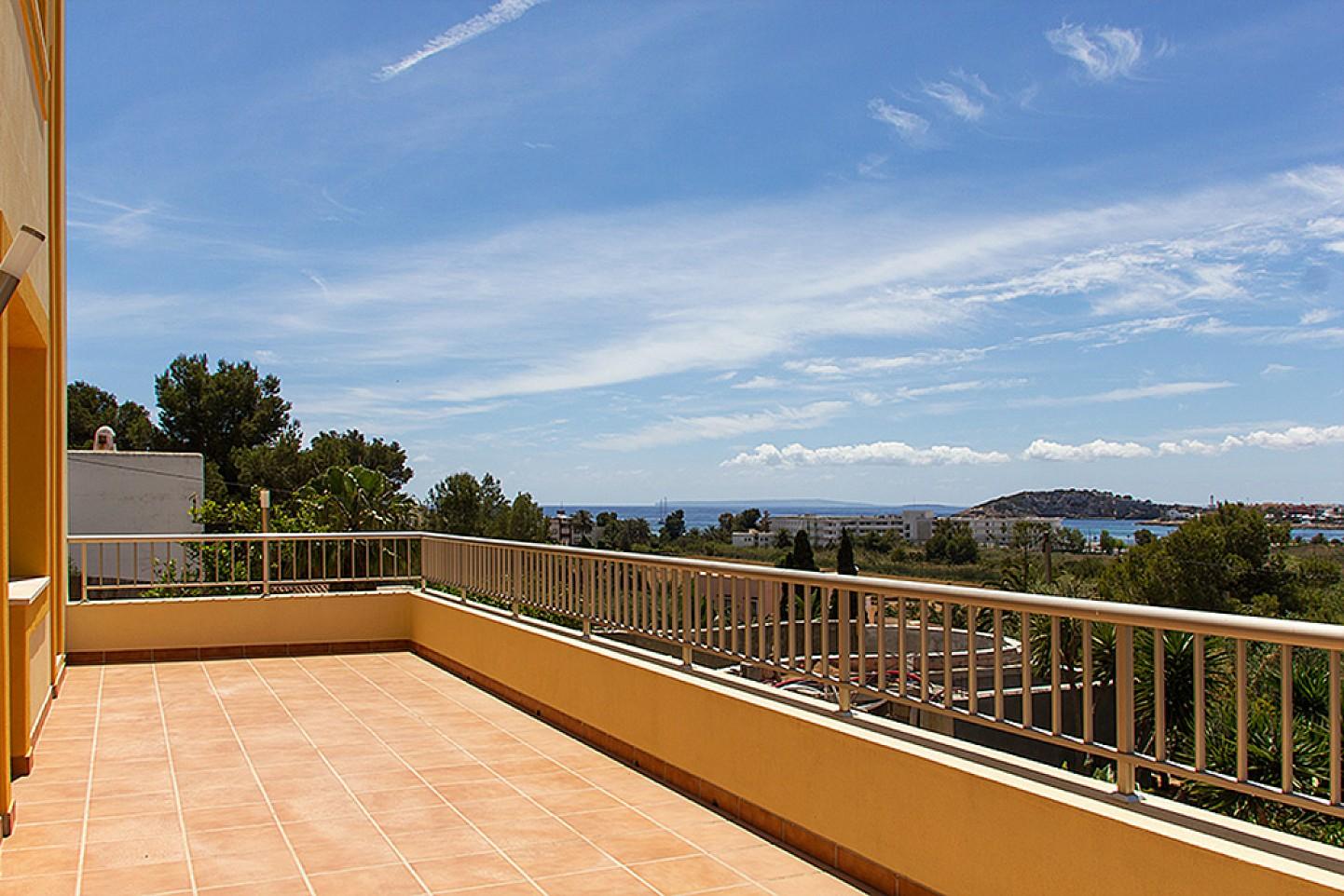 Magníficas vistas desde la gran terraza soleada