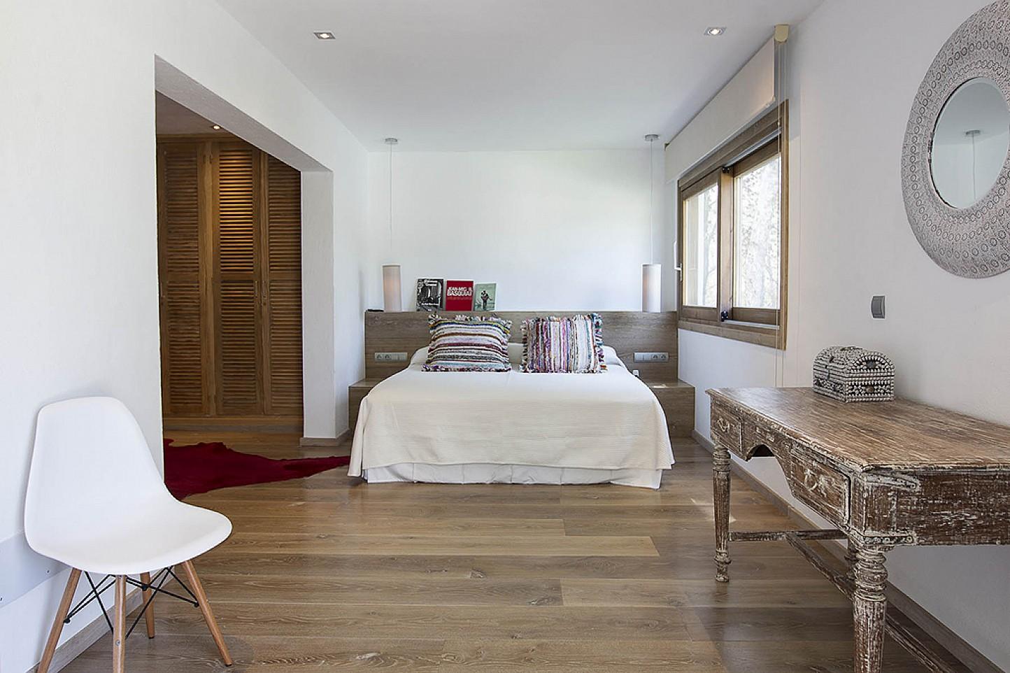 Dormitori 1 ampli i lluminós