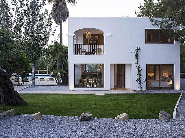 Дом для гостей виллы на продажу в Кала Тарида