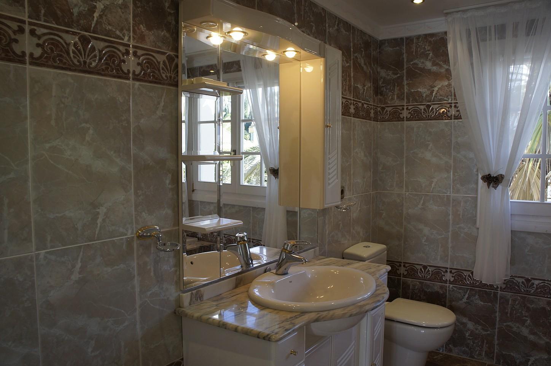 Ванная комната виллы на продажу в Марбелья