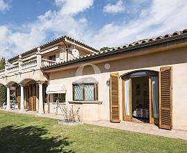 Продается большой дом в Кальдес Д'эстрак, Маресме