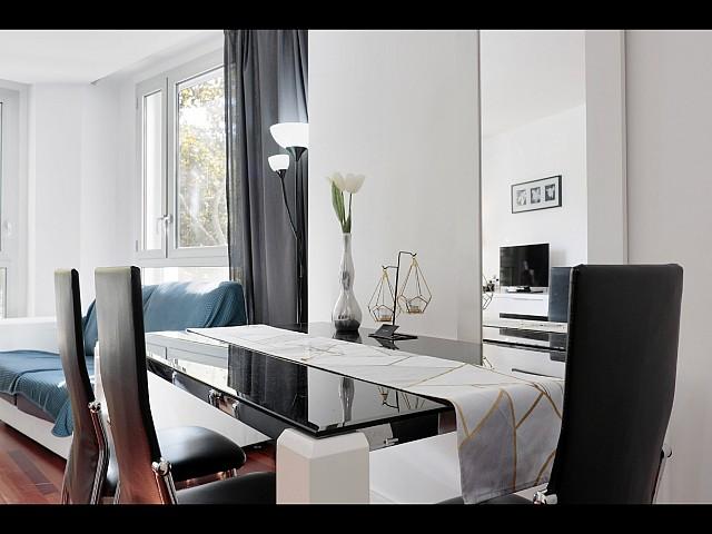 Mooi appartement te huur Calle Doctor Aiguader, Santa Caterina i La Ribera