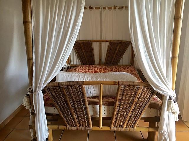 Уютная спальня дома на продажу на Ибице