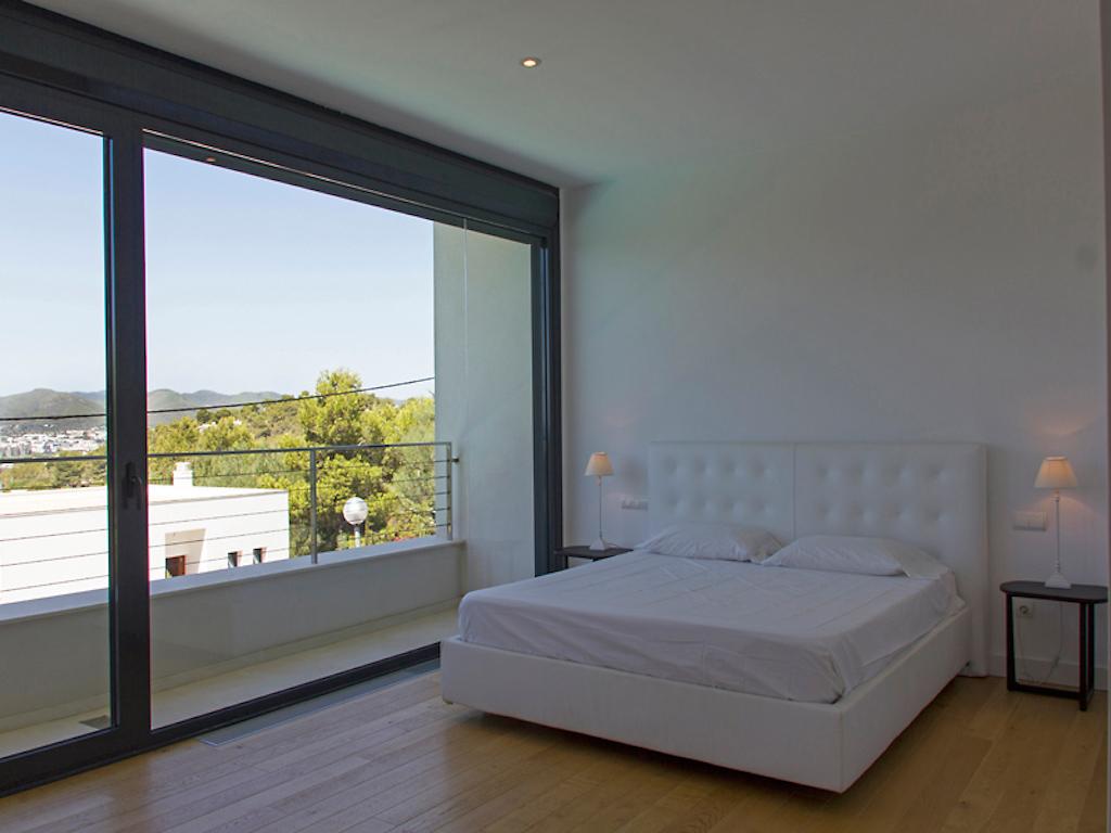 Роскошная спальня виллы в аренду рядом с Таламанка