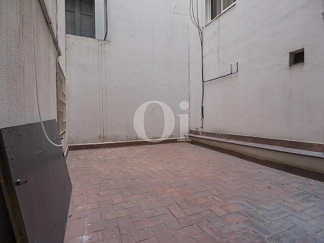 Внутренний дворик квартиры на продажу в Эшампле Дрета