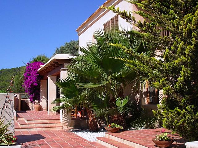 Дом и сад виллы в аренду в Сан Агустин