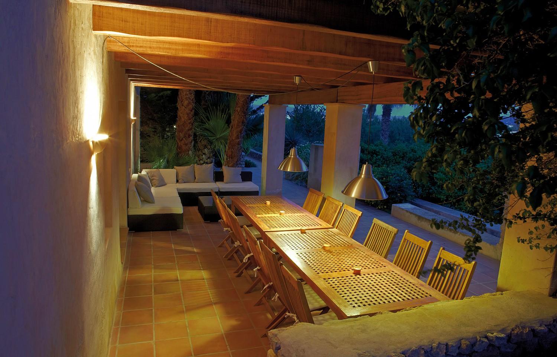 Летняя столовая виллы в аренду в Сан Агустин