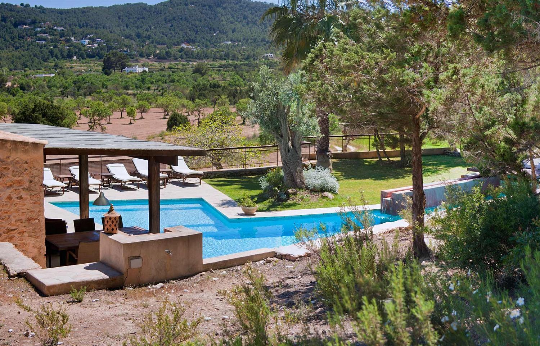 Шикарный бассейн виллы в аренду в Сан Агустин
