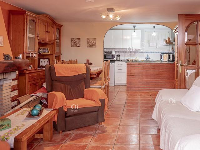 Magnificent Apartment in Vall-Llobrega 2 km from the beach. Magnificent Apartment in Vall-Llobrega 2 km from the beach. Magnífico Piso en Vall-Llobrega a 2 km de la playa.