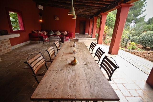 Солнечная терраса виллы на продажу в Кала Жондаль